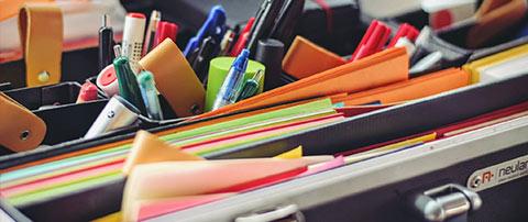 livres et stylos